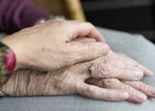 Sexualité et vieillissement : risqué pour les hommes, recommandé pour les femmes