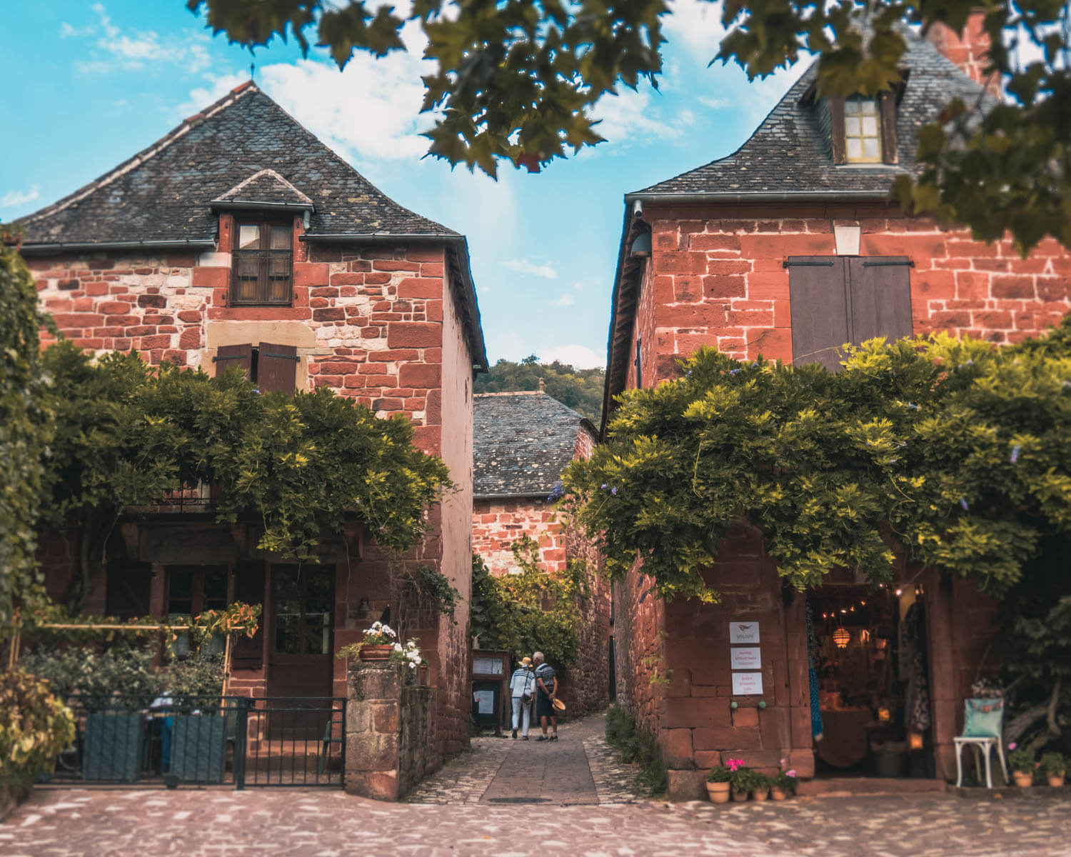 Collonges-la-Rouge-vila
