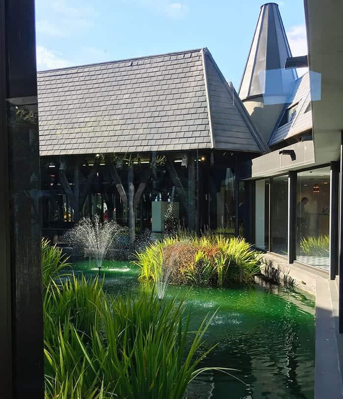 Hilton hotel pond christchurch