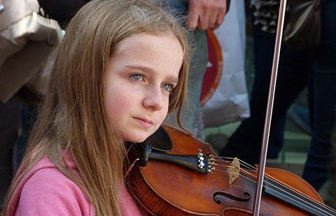 Violin busker Dublin