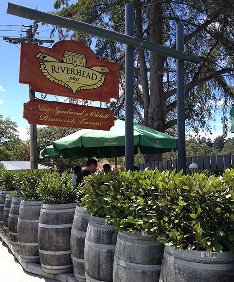 Riverhead pub