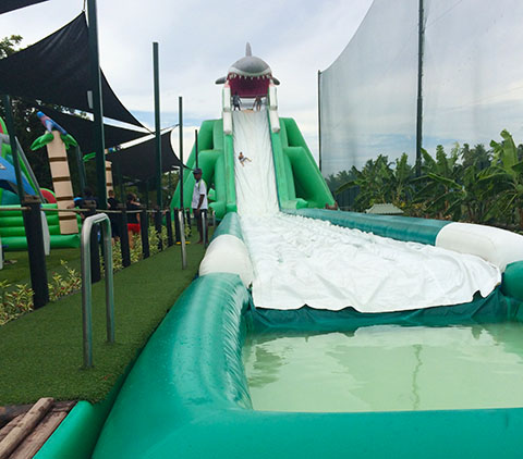 Big Bula inflatable park