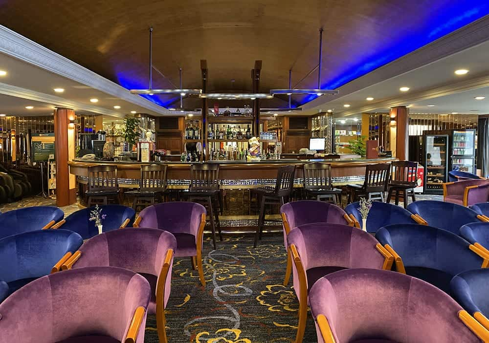 MV Lianna lounge