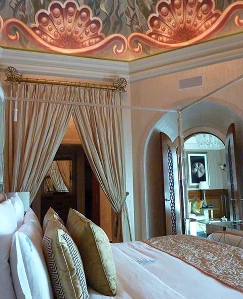 Royal Oaks Apartments Palm Desert: A Look Through Atlantis The Palm Hotel, Dubai