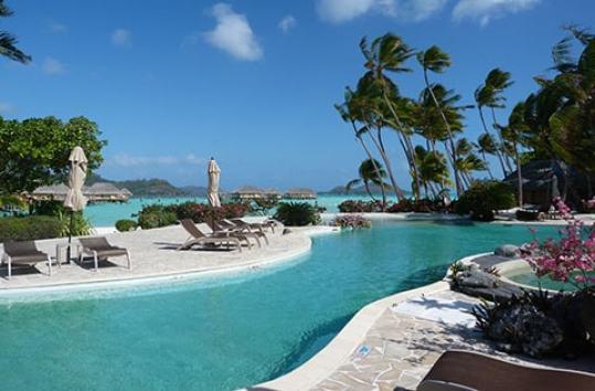 Pearl Bora Bora pool