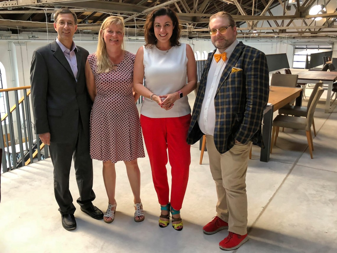 Dorothee Bär mit dem bisherigen Bloggerclub-Vorstand (v.l.) Franz Neumeier, Tanja Praske, Matthias J. Lange
