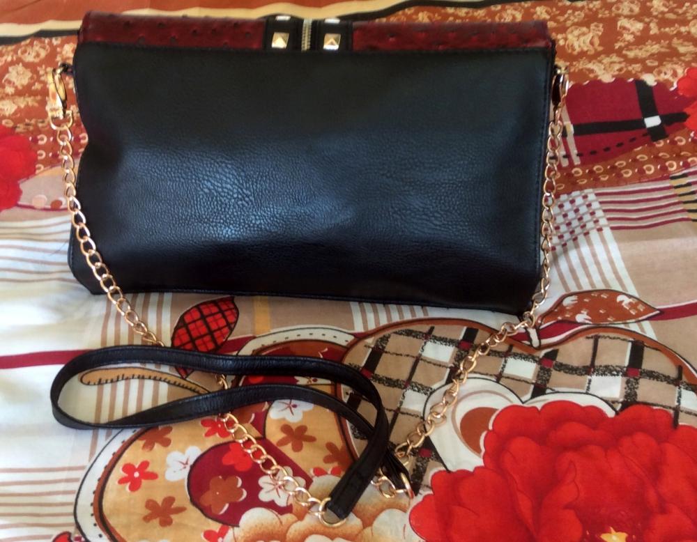 what's in my bag essentials - Bloggerissa (6)