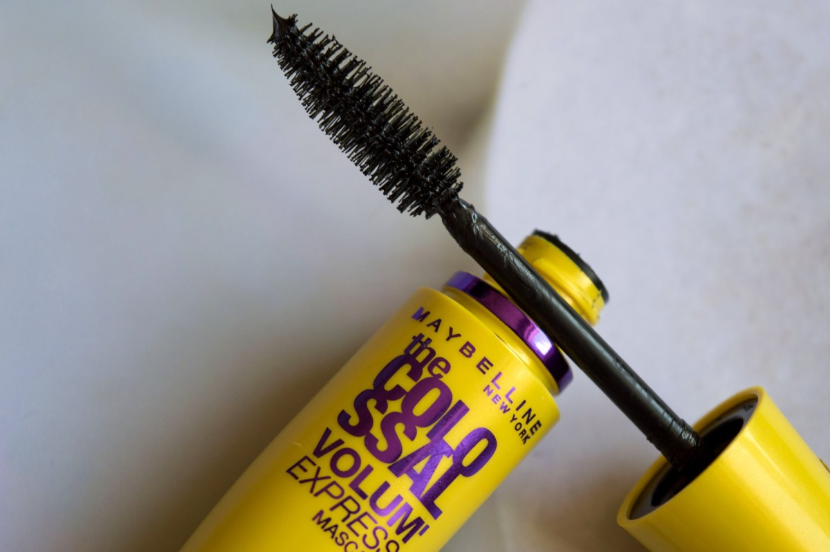 Maybelline The Colossal Volum Express Mascara Review