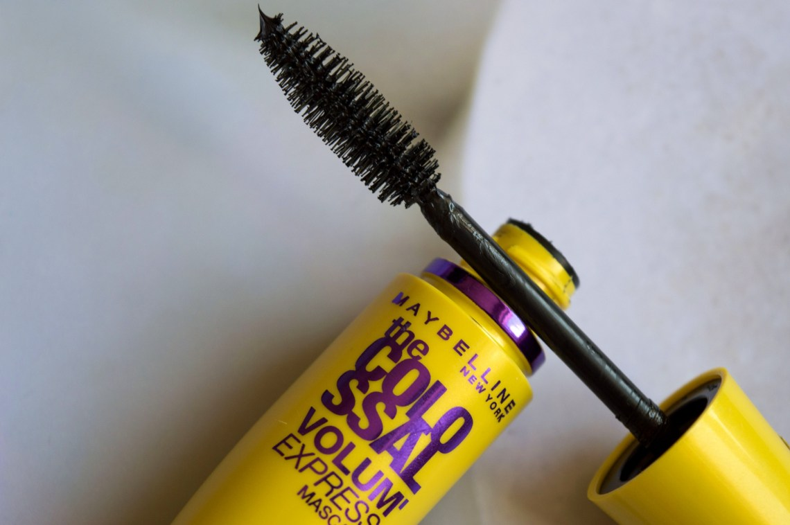 Maybelline The Colossal Volum Express Mascara (2)