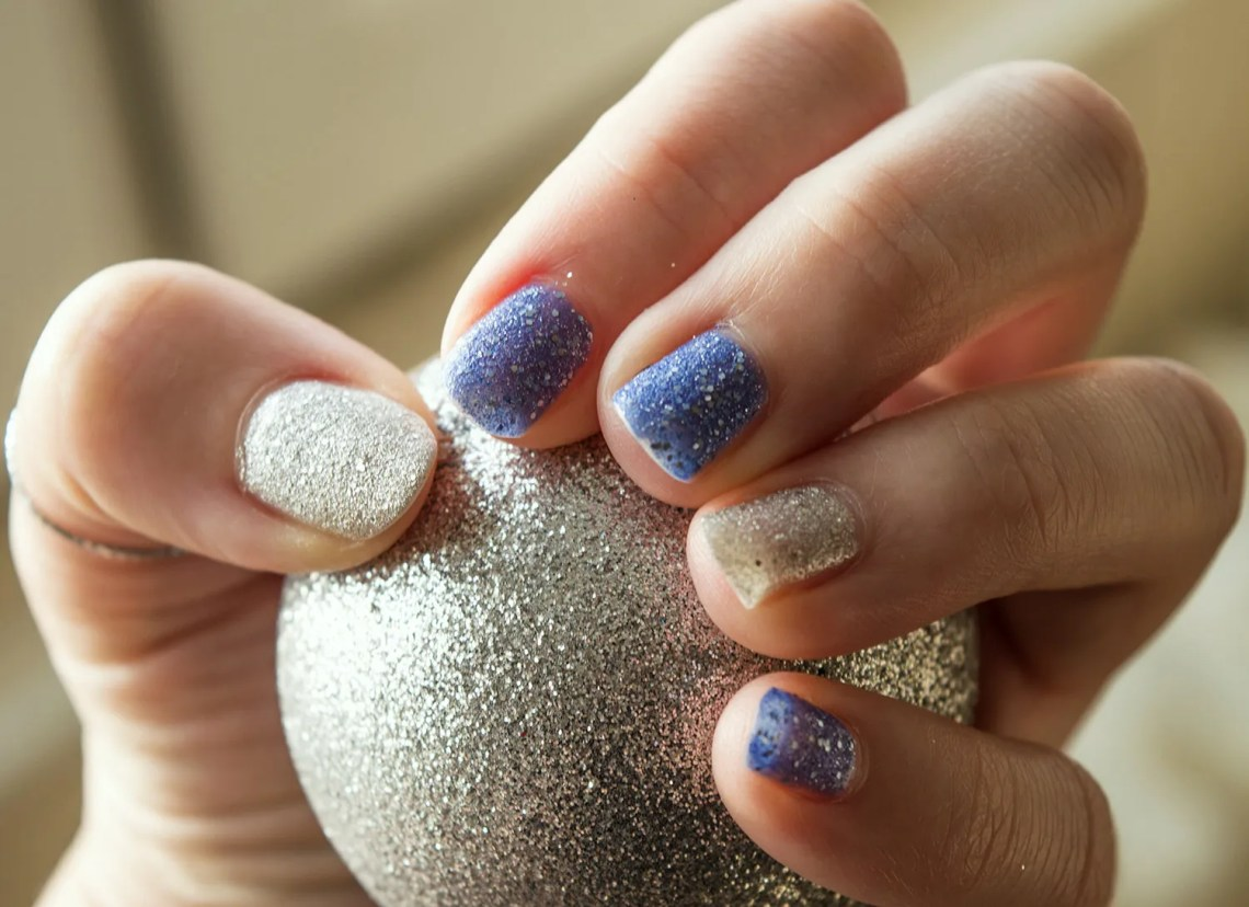 opi nail polish special christmas edition - mariah carey (3)