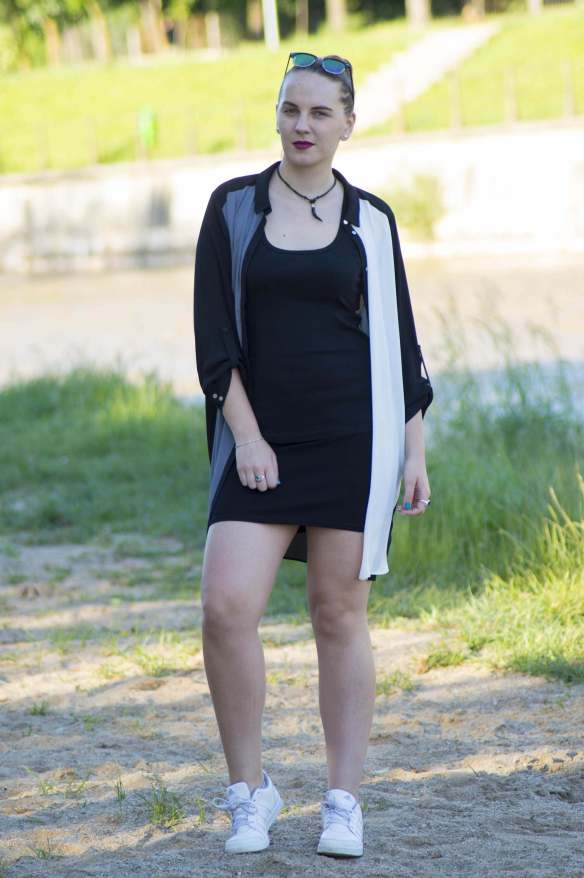 ootd edgy look - 5 ways to look more confident (4)