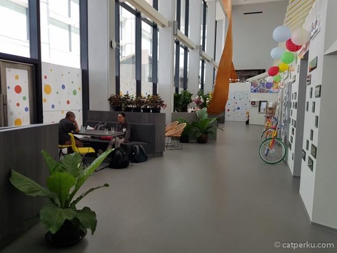 Seperti ini penampakan lobi kantor baru Google Indonesia