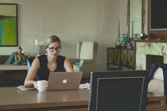 woman using laptop pixabay