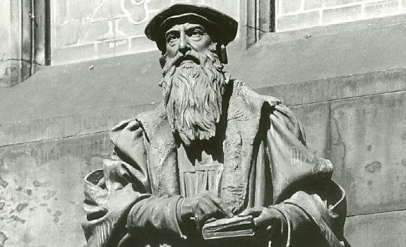 knox-statue