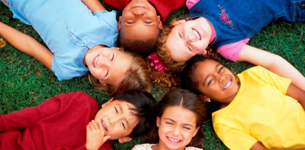 children-in-a-circle