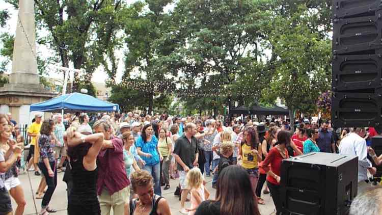 Free music concert in Santa Fe town square