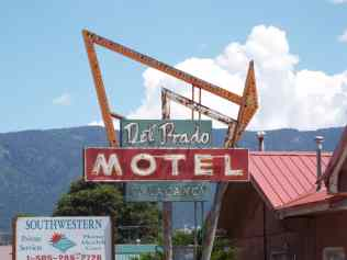 Route 66 Motel Neon sign