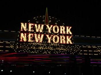 Hotel New York sign
