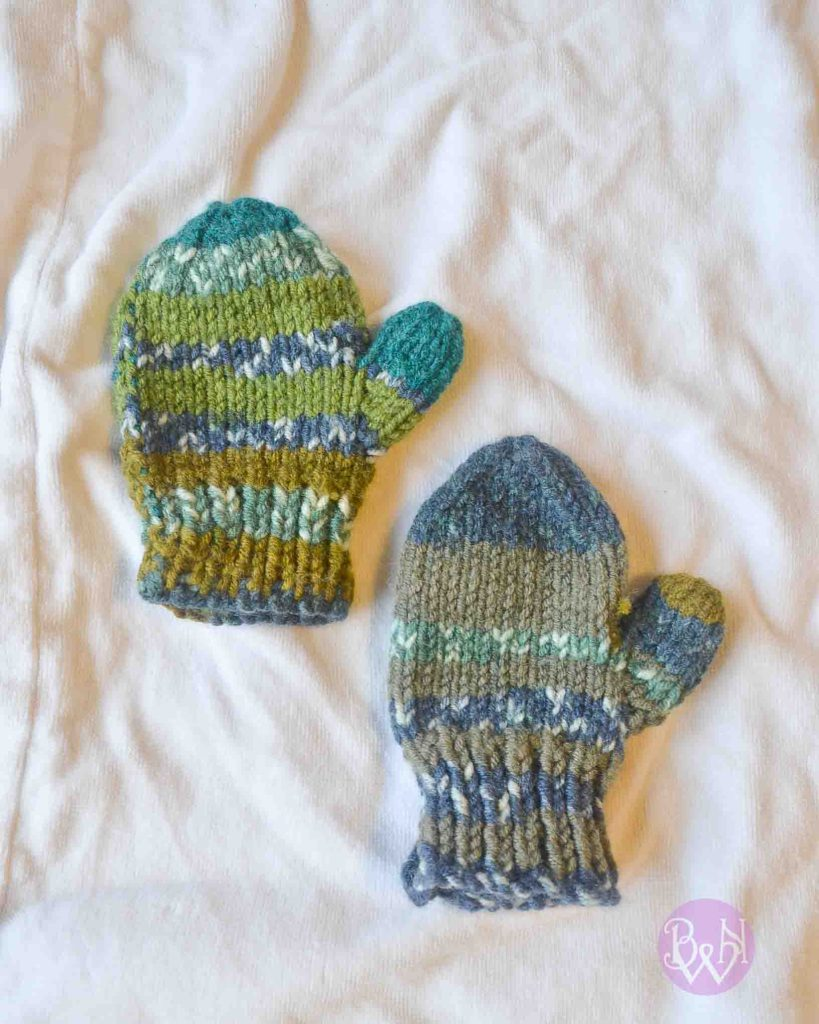 Knit gloves in round and flat