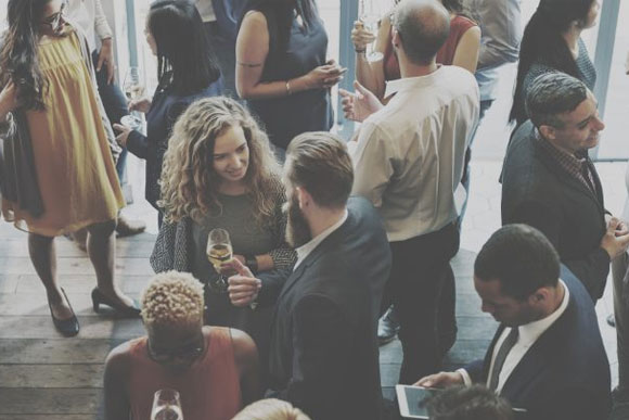 Powerful Ways to Network with Other Bloggers