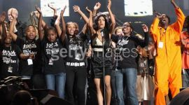 Bonnie Wright asiste a concierto de cumpleaños de Nelson Mandela
