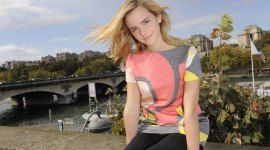 Emma Watson asiste a Show de Moda de 'Giambattista Valli'