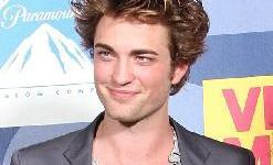 Robert Pattinson Habla de su Colaboración para la Banda Sonora de 'Crepúsculo'