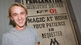 Tom Felton, de Paseo por la Construcción del 'Parque Temático de Harry Potter'