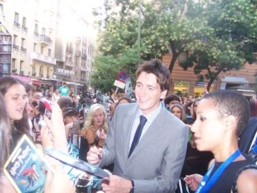 Exclusivo: Fotografías de James y Oliver Phelps en la Premiere en Madrid
