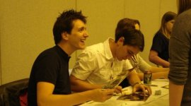 Joshua Herdman, James y Oliver Phelps Asisten a 'London Film and Comic Con'
