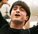 Videoclip de Daniel Radcliffe Grabando la Banda Sonora Oficial de la Obra 'How to Succeed'