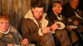 Primera Imagen de Rupert Grint Caracterizado para su Próxima Película 'Comrades'