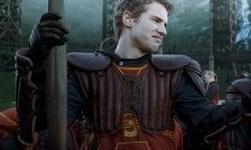 Freddie Stroma Habla de su Participación en la Saga de Películas de 'Harry Potter'