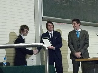 James y Oliver Phelps Reciben Membresía Honoraria en la UCD de Dublin