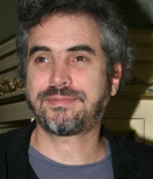 Alfonso Cuarón favorito para dirigir 'En Llamas'