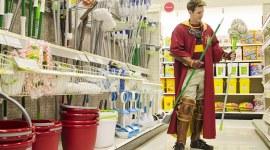 Imagen de la Semana: Jugador de Quidditch de Compras