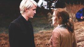 Del abominable día en que Malfoy se sintió atraído por una sangre sucia