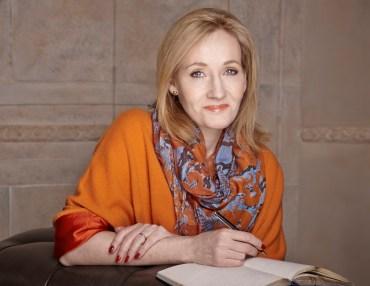 J.K Rowling habla sobre The Cursed Child y afirma que está escribiendo un libro para niños