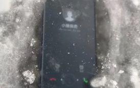 Huawei Mate 10 Pro resistenza al massimo, guardate un po' a cosa resiste!