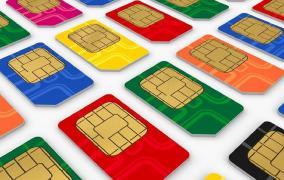 Tim e Vodafone contro Iliad, e colpi di coda con i clienti.