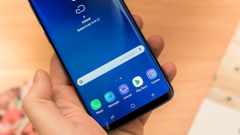 Come fare uno screenshot con un colpo di mano su Samsung Galaxy S9