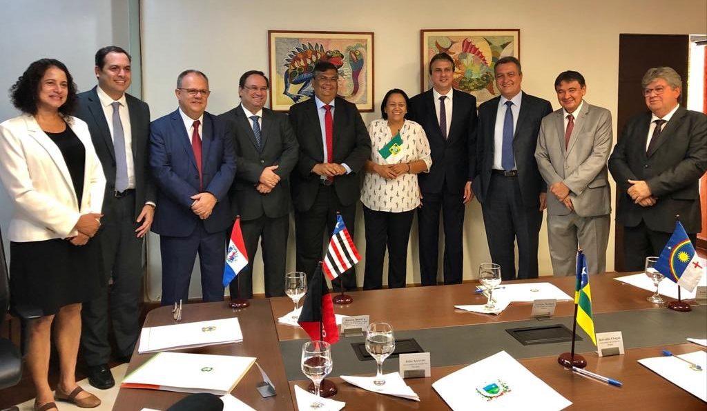 Flávio Dino revela bastidores da reunião dos governadores do Nordeste com Bolsonaro