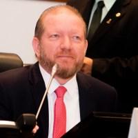 Othelino Neto reafirma o desjeo de disputar o Senado em 2022