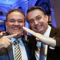 Roberto Rocha continua na torcida a favor do coronavírus