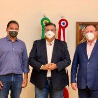 Eleições 2022: Flávio Dino reúne Brandão e Weverton e diz que irá coordenar os diálogos em seu grupo no tempo certo