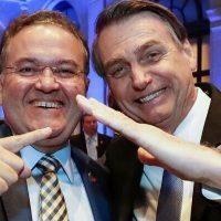 Roberto Rocha continua dependendo de Bolsonaro para definir futuro