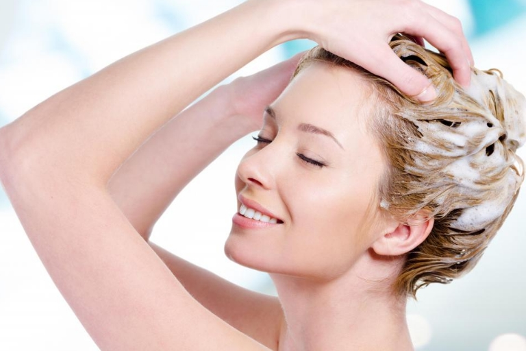 5 Homemade Shampoos For All Your Hair Problems