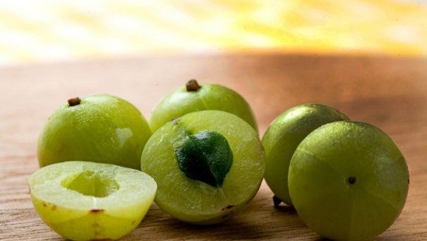 How To Use Amla For Thinning Hair