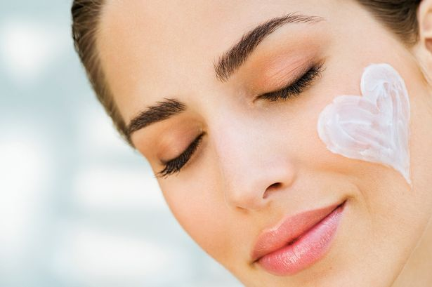 8 Best Home Remedies For Sensitive Skin