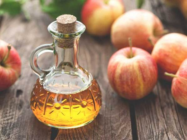 Apple Cider Vinegar for Dark Knees and Elbow